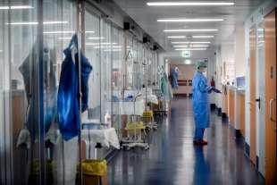 reparto di terapia intensiva brescia 12