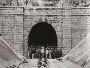 beacon hill tunnel, hong kong, china, 1907 archivio ghella