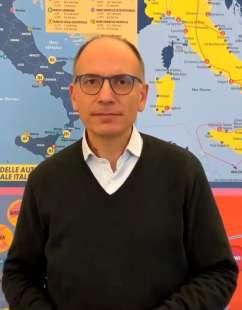 Enrico Letta annuncia la candidatura a segretario del Pd
