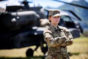 nuovo regolamento donne nell'esercito usa 8