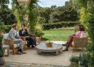 oprah winfrey intervista meghan markle e il principe harry 2