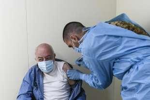 vaccinazioni all'hotspot dell'allianz stadium di torino 1
