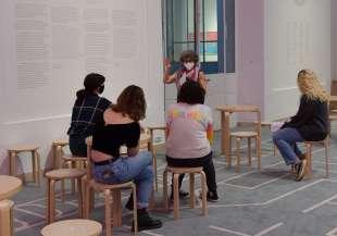 visitatori della mostra io dico io foto di bacco (2)