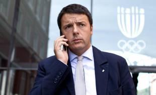 MATTEO RENZI AL TELEFONO