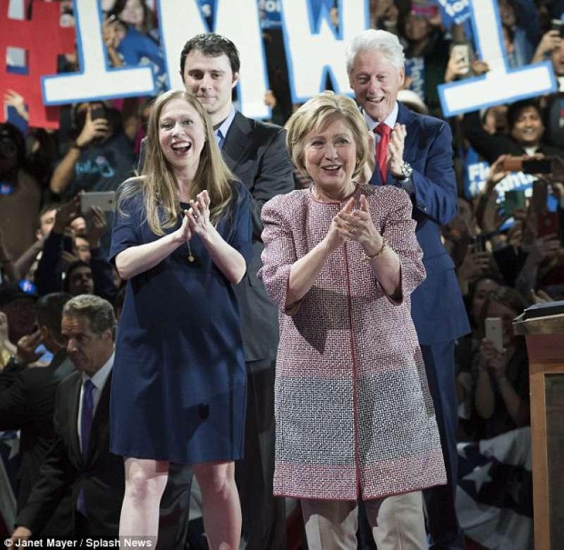 Hillary clinton e famiglia a new york dago fotogallery for Casa famiglia new york