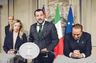 salvini meloni e berlusconi in conferenza stampa