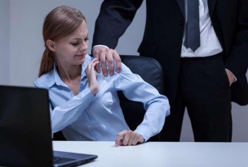 molestie in ufficio 5
