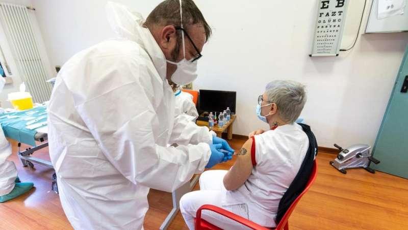 coronavirus vaccino anziani 2
