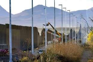 costruzione del muro usa messico