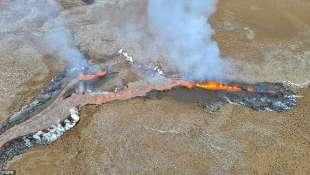 eruzione vulcano valle di geldinga, in islanda 11