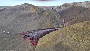 eruzione vulcano valle di geldinga, in islanda 12
