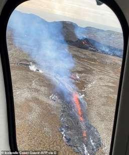 eruzione vulcano valle di geldinga, in islanda 13