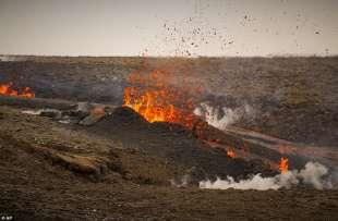 eruzione vulcano valle di geldinga, in islanda 2