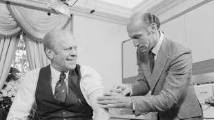 Gerald Ford si vaccina contro la suina
