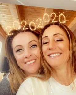giorgia meloni con la sorella arianna