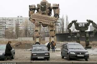 I robot apparsi a Donetsk