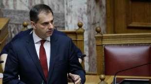 il ministro del turismo greco haris theocharis