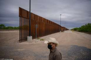 il muro al confine tra usa e messico 1