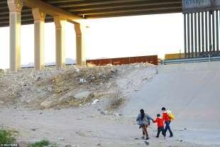il muro al confine tra usa e messico a el paso