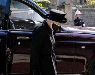 la regina al funerale del principe filippo