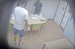 la video registrazione dell'esame farsa di luis suarez 11