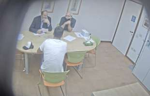 la video registrazione dell'esame farsa di luis suarez 14