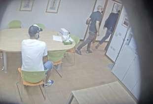 la video registrazione dell'esame farsa di luis suarez 7