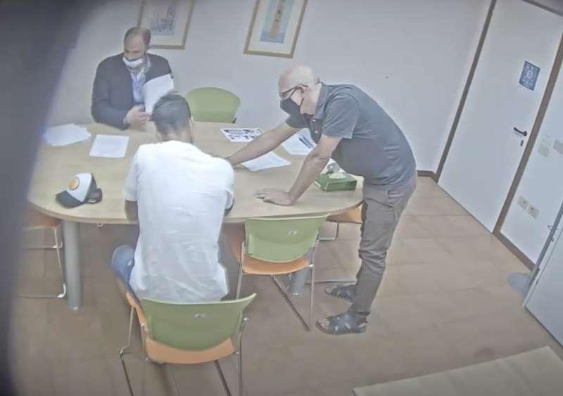 la video registrazione dell'esame farsa di luis suarez 9