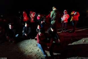 migranti al confine usa messico 1