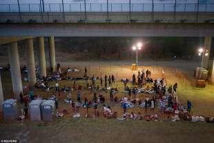 migranti al confine usa messico 5