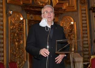 padre vincenzo d adamo rettore della chiesa di sant ignazio di lojola foto di bacco