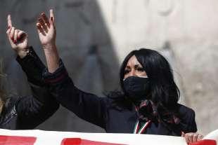 protesta dei lavoratori alitalia a fiumicino 2