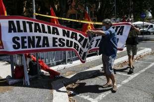 protesta lavoratori alitalia