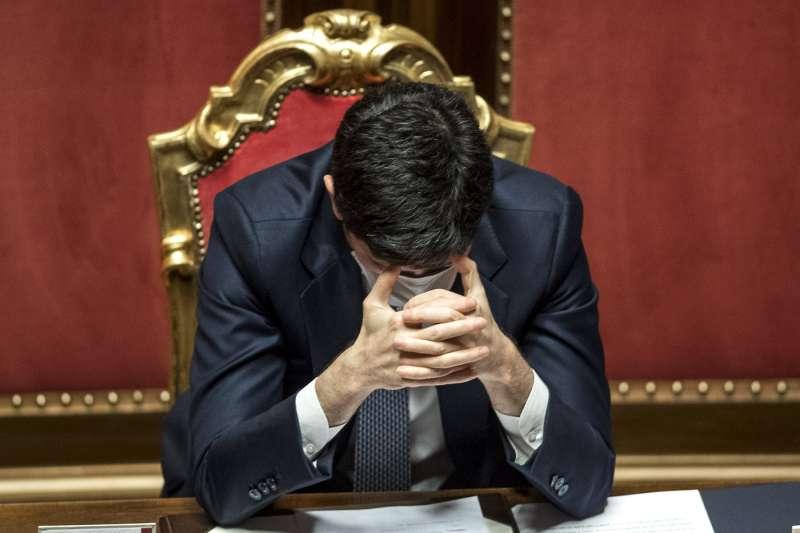 roberto speranza al senato durante il voto sulla mozione di sfiducia