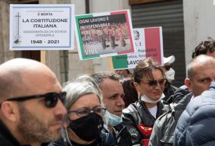 scontri tra ristoratori e polizia davanti montecitorio