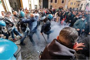 scontri tra ristoratori e polizia davanti montecitorio 15