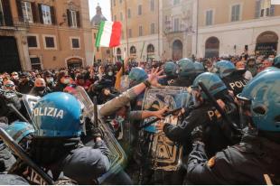 scontri tra ristoratori e polizia davanti montecitorio 7