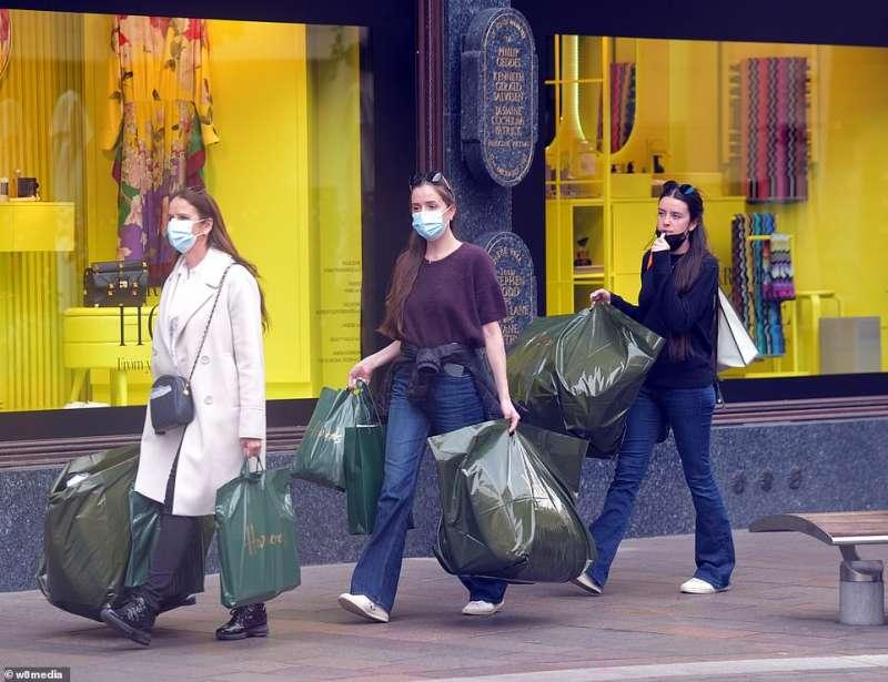 shopping a londra post lockdown