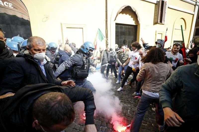 tensioni a montecitorio alla protesta dei ristoratori e partite iva 1