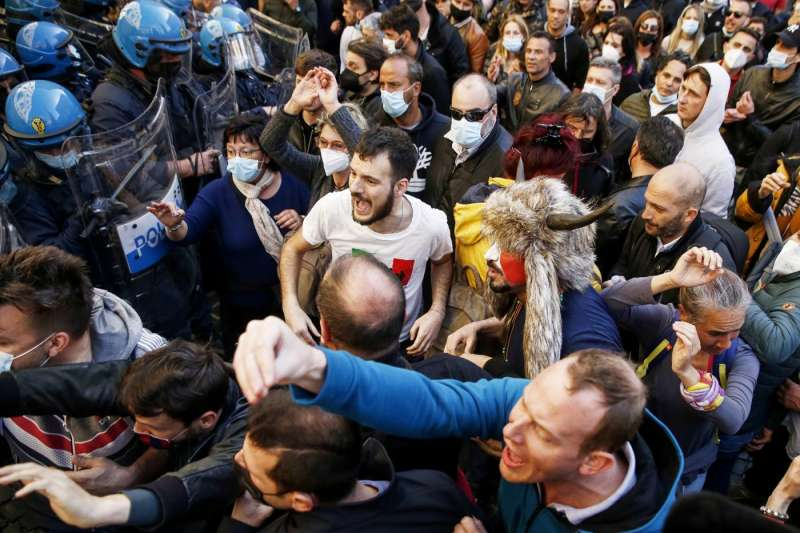 tensioni a montecitorio alla protesta dei ristoratori e partite iva 11