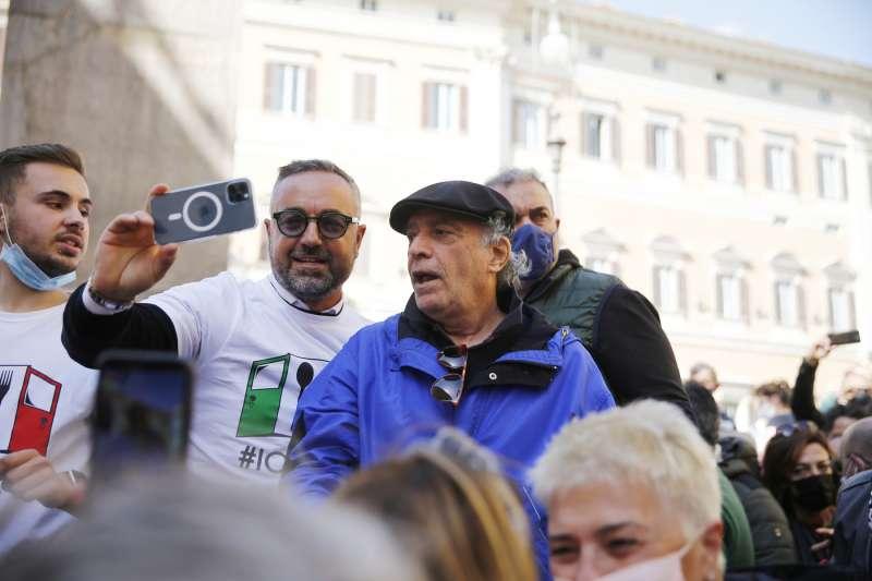 tensioni a montecitorio alla protesta dei ristoratori e partite iva 14