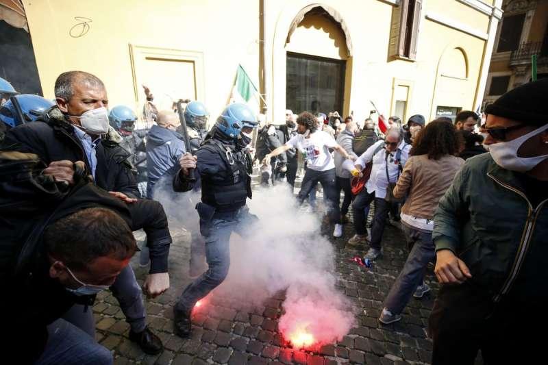 tensioni a montecitorio alla protesta dei ristoratori e partite iva 2