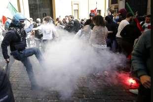 tensioni a montecitorio alla protesta dei ristoratori e partite iva 3