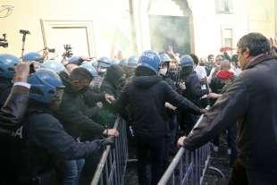 tensioni a montecitorio alla protesta dei ristoratori e partite iva 7