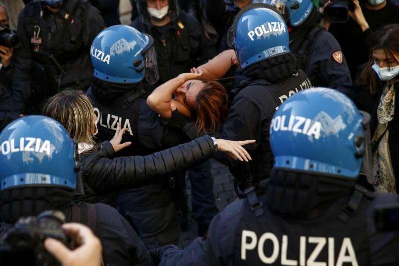 tensioni a montecitorio alla protesta dei ristoratori e partite iva 8