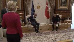 ursula von der leyen lasciata senza poltrona da erdogan e michel 2