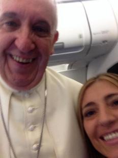 franca giansoldati si fa un selfie con papa francesco
