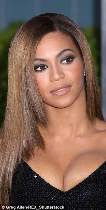 Beyonce tette strizzate - Dago fotogallery