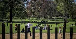 coronavirus a new york folla a central park 9