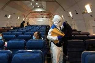 coronavirus e aereo